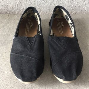 Women Toms Loafers size 8